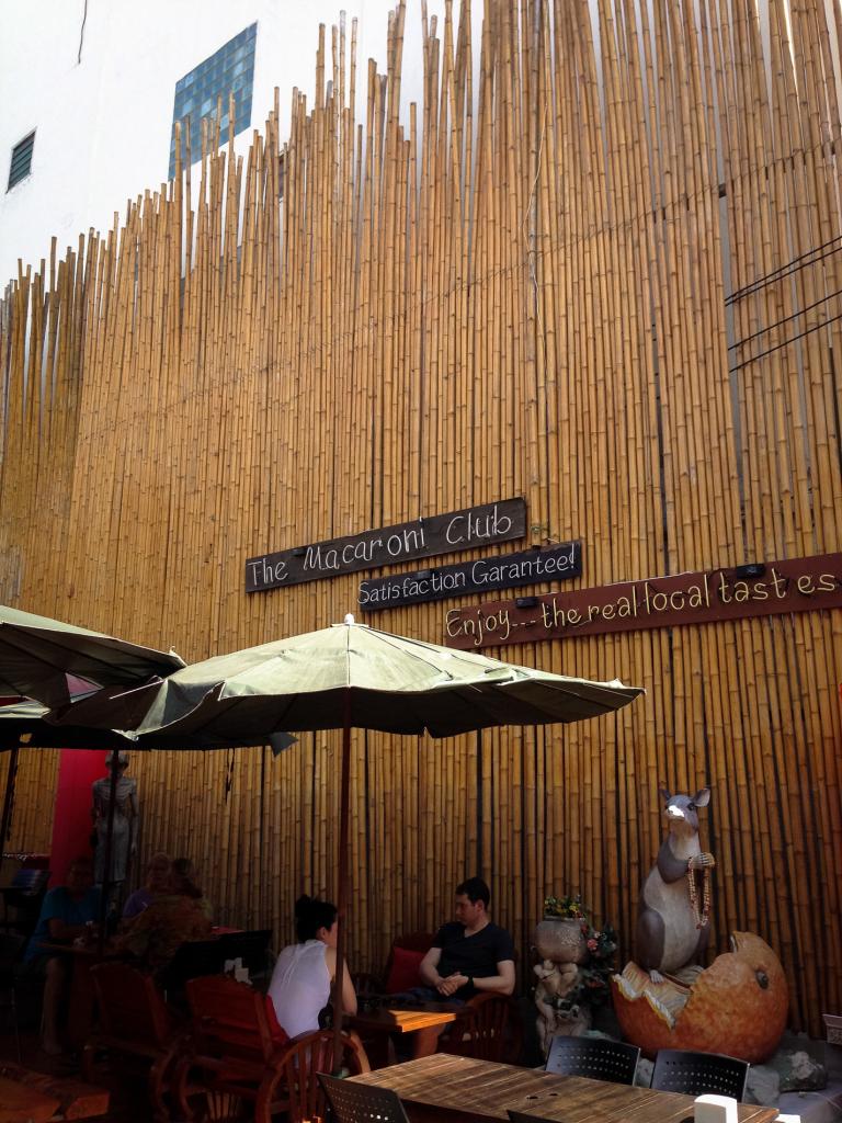 Stěna z bambusu - sakra vysoká